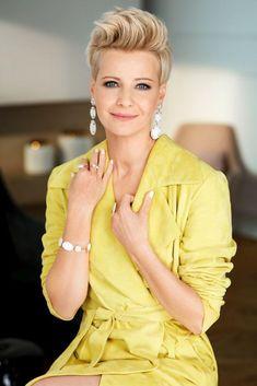 """Kożuchowska reklamuje biżuterię. """"Kobiecość, elegancja i indywidualny styl"""" - PUDELEK"""