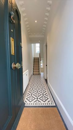 Victorian House Interiors, Victorian Terrace House, Victorian Homes, Tiled Hallway, Hallway Walls, Hallways, Hallway Designs, Hallway Ideas, House Entrance