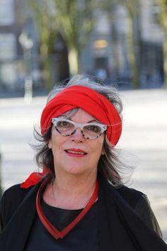 portret Christien Lunettes, Style Sophistiqué, Cheveux Gris, Street Style  Chic, Mode Femme 99d3427bf619