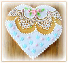 Vanilla lace cookie Heart Lace Cookies, Vanilla Cookies, Sugar, Heart, Desserts, Food, Tailgate Desserts, Deserts, Essen