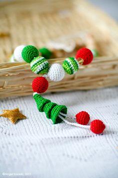 Christmas Organic Nursing necklace Teething necklace by kangarusha