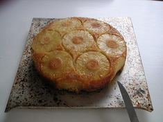Gâteau ananas : la meilleure recette Dessert Simple, Easy Desserts, Coco, Pineapple, Deserts, Food And Drink, Baking, Breakfast, Recipes