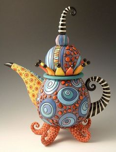 reminds me of the Mad Hatter tea party. could use a balloon to shape the pot Ceramic Teapots, Ceramic Pottery, Retro, Teapots Unique, Art Diy, Mad Hatter Tea, Mad Hatters, Teapots And Cups, Art Furniture