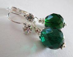 Silberne Ohrringe mit Strass und Böhmischen  Glaskristallperlen in grün