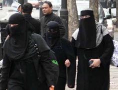 1 Whitechapel Muslims 744533
