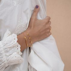 This beautiful embroidered white Zara blouse is in good company of our subtle golden bracelets. You Got This, Essentials, Spring, Cover, Zara, Beautiful, Blouse, Instagram, Bracelets