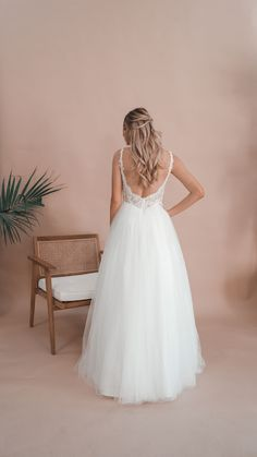 Inspired by the love for minimalistic elegance, Miss Scarlett is an Australian bridal label offering contemporary custom-made dresses for the bride looking for something a little more sophisticated and a little less traditional. Debutante Dresses, Bride Look, Lace Back, Serendipity, How To Feel Beautiful, Ball Gowns, Flower Girl Dresses, Bridal, Princess