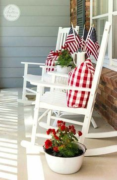 4th of July decor. Front porch.