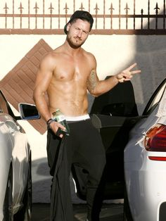 Hottie Val Chmerkovskiy Goes Shirtless After DWTS Rehearsal 06/10/14