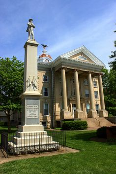 Old Roanoke County Court House and Confederate Memorial ~ Salem, Va
