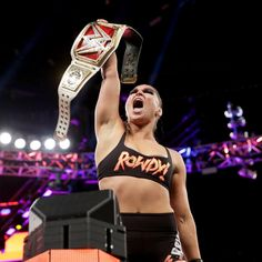 Check out photos from the highly-anticipated Raw Women's Championship Match, featuring Alexa Bliss defending the title against Ronda Rousey at SummerSlam. Ronda Rousey Wwe, Ronda Jean Rousey, Wrestling Superstars, Wrestling Divas, Judo, Roman Reigns Wwe Champion, Rowdy Ronda, Catch, Wwe Women's Division
