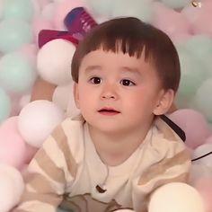 Cute Little Baby, Little Babies, Cute Babies, Superman Kids, Ulzzang Kids, Korean Babies, Happy Sunday, Cute Kids, Childhood