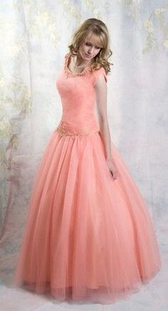 This is the ultimate fairy princess dress.  I need to remember this when I have girls and they need something gorgeous . . .