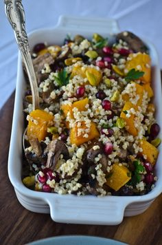 This colorful, healthy side dish comes from Tina of Scaling Back. This is gluten free and vegan/vegetarian friendly. Scaling Back focuses on mindful living while eating well. With beautiful recipes and stunning photography, we adore Scaling Back and think you will too! The holidays bring along with it lots of opportunity to indulge but it's …