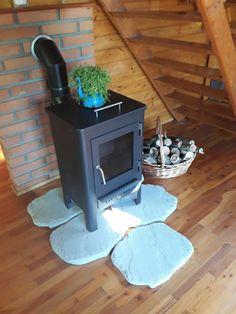 Sì avvicina l'inverno, idea per  la base di una piccola stufa a legna