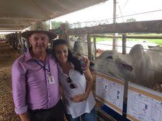 Estimulando o futuro do neto, diretor da Coopavel compra touro em Feira do Pró-Genética