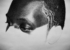 These photos are not photos, DRAWINGS are made in pencil! Incredible, no!! Authored by British artist KELVIN OKAFOR. Perfection!      //essas fotos não são fotos, são DESENHOS feito à lapis! Incrível, não!!! Autoria do artista britânico KELVIN OKAFOR.    Perfeição!!