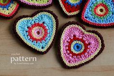 crochet pattern - sweet crochet heart ornaments - appliques from zoom yummy