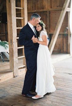 """The post """"family wedding photos bride dance with dad jeremiahandrachel"""" appeared first on Pink Unicorn photography Family Vintage Wedding Photography, Wedding Photography Styles, Documentary Wedding Photography, Wedding Picture Poses, Wedding Poses, Wedding Ideas, Bride Poses, Wedding Shot, Wedding Photoshoot"""