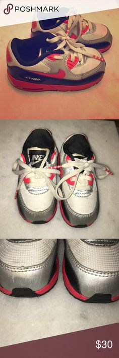 Nike air max toddler sneakers Gently used Nike Air Max sneakers. Besides a few scratches in the front of the shoe they are in great condition. Feel free to make a offer. Nike Shoes Sneakers