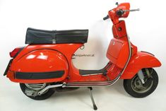 Vespa Px 200, Vespa Lambretta, Motorcycle, Scooters, Vehicles, Vespas, Motorcycles, Red Vespa, Paint Line
