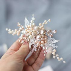 Ivory + light peach bridal hair comb, wedding hair accessories. ⭐️ WORLDWIDE FREE SHIPPING ⭐️ This amazing floral hair combs made with peach & ivory freshwater pearls, cubic zirconia with setting, glass beads, rhinestones, silver plated wire. It can be positioned anywhere to work
