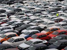 Εφέτος θα πουληθούν σε όλον τον κόσμο περίπου 73,8 εκατ. καινούρια αυτοκίνητα. Αυτό αναφέρει μελέτη της εταιρείας ανάλυσης αγοράς R.L. Polk & Co, σύμφωνα με την οποία η αύξηση των εφετινών πωλήσεων Ι.Χ. σε παγκόσμιο επίπεδο θα είναι της τάξης του 3%. Volkswagen, Toyota, Car Seats, Ford, Vehicles, Motorbikes, Car, Vehicle, Tools