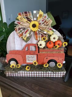 Dollar Tree Fall, Dollar Tree Decor, Dollar Tree Crafts, Fall Wood Crafts, Easy Fall Crafts, Truck Crafts, Halloween Crafts, Fall Halloween, Fall Projects