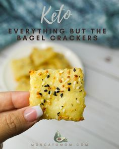 This Homemade Crackers Recipe is simple and delicious. It's everything you love about crackers but without all of the chemicals and additives. Keto friendly snack with only 3 net carbs per serving! Low Carb Bread, Keto Bread, Food To Go, Good Food, Awesome Food, Lunch Recipes, Keto Recipes, Homemade Crackers, Keto Brownies