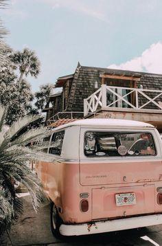 Volkswagen Bus Bulli Kombi -… - Cars and Motorcycles Beach Aesthetic, Summer Aesthetic, Aesthetic Photo, Aesthetic Pictures, Aesthetic Yellow, Aesthetic Collage, Aesthetic Vintage, Aesthetic Pastel Wallpaper, Aesthetic Backgrounds