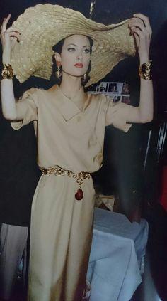 Shalom Harlow en Janvier 1993. Haute couture été 1993.  Photo Roxanne Lowit.