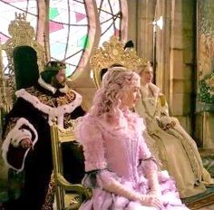 """Richard? Could be! Sure looks like him: King-experience enough. """"Alice Through the looking glass""""! 10-4-2016"""