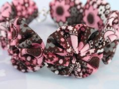 7 1/2 Pink and Brown Floral Yo Yo Bracelet by SursyShop on Etsy, $5.00