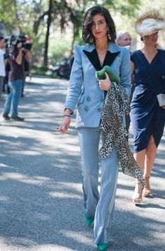 Mercedes Domecq: estilista, estilosa... y estilizada | loc | EL MUNDO Blazer Outfits, Sport Outfits, Fashion Advice, Fashion Outfits, Blue Tuxedos, Looks Chic, Costume Design, Short, Dress For You