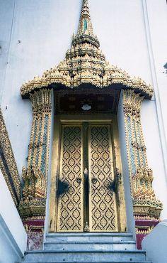 Royal Palace entry door, Thailand. Via David and Bonnie on flickriver