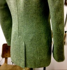 DAVIDE TAUB: Bespoke Men's Curved-Seam Jacket in Green Cheviot Tweed w/.Contrast…