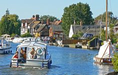 Horning in the Norfolk Broads. The perfect broads village. Take a trip on the southern comfort paddle steamer from here. Norfolk Beach, Norfolk Broads, Norfolk England, Heritage Railway, British Travel, Great Yarmouth, Family Day, Happy Family, British Countryside