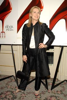 "Meryl Streep during ""The Devil Wears Prada"" -Post-Screening Auction to benefit… Maryl Streep, Miranda Priestly, Devil Wears Prada, New York Photos, Vanity Fair Oscar Party, Dress For Success, Celebs, Celebrities, Best Actress"