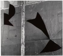 Aaron Siskind (American, New York 2 1948 Gelatin silver print Aaron Siskind, Broken Window, Gelatin Silver Print, Art Database, Abstract Photography, Abstract Expressionism, Graffiti, New York, Sculpture