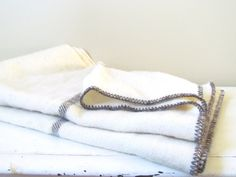 Vintage Canadian Wool Throw Blanket in Cream and by NapaVintage