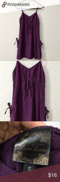 🌱Love Tease 100% cotton spaghetti strap dress This cute purple dress features an empire drawstring waist as well as large drawstring pockets on both sides. Measurements are shown in the pictures. It is in EUC with no holes, rips, or stains. Bundle with other items from my closet for the best deal! Love Tease Dresses Midi