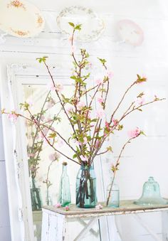 Love in Bloom: 8 Spring Branch Displays | Midwest Living