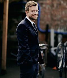 damon albarn look at that adorable smile!