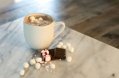 Keith's Famous Fluffy Hot Chocolate, diy, recipe, hot cocoa, peppermint, chocolate, marshmellows, winter, treat