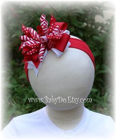 Items similar to Big Hair Bows - Korker Bow Red and White on Etsy my favorite thing to do with korkers-korker boutique bow Kids Hair Bows, Baby Girl Hair Bows, Girls Bows, Baby Bows, Ribbon Hair Bows, Bow Hair Clips, Hair Bow Tutorial, Kanzashi, Christmas Bows