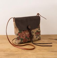 Cotton as linen small shoulder bag. Check our website to find the perfect bag for you. Cotton Linen, Cotton Canvas, Canvas Shoulder Bag, Shoulder Bags, Satchel, Crossbody Bag, Casual Bags, Flower Fashion, Large Bags