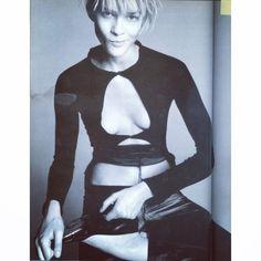Elastic Knit #VogueItalia #lorigoldstein #stevenmeisel #lutzhuelle #fw2000 #thedebut #lutzarchiveswordpress