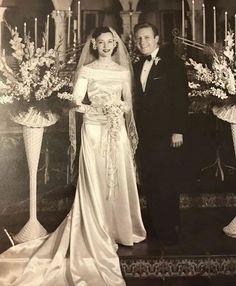 Chic Vintage Brides, Vintage Wedding Photos, Vintage Weddings, Wedding Couples, Wedding Bride, Wedding Gowns, Bridal Looks, Bridal Style, 1970s Wedding Dress