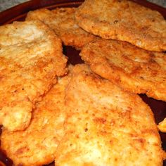 Crispy Southern Fried Pork Chops recipe is super easy and crazy delicious! Fried Chicken Recipes, Pork Chop Recipes, Meat Recipes, Pork Meals, Skillet Recipes, Entree Recipes, Dinner Recipes, Banting Recipes, Game Recipes
