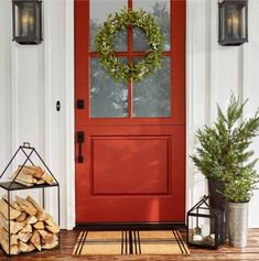 Joanna Gaines does it again. She has teamed up with Target to offer the Hearth & Home collection. I'm sharing some of my modern farmhouse Christmas favorites from the collection. Farmhouse Front, Modern Farmhouse, Farmhouse Style, Farmhouse Decor, Front Door Design, Front Door Colors, Front Door Decor, Front Doors, Front Entry